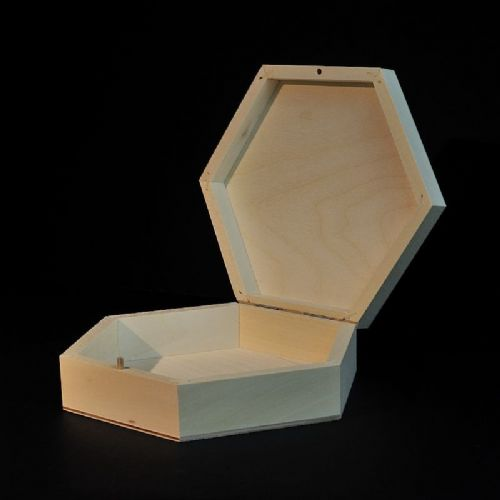 Plain hexagonal wooden box 19 x 19 x 5 cm